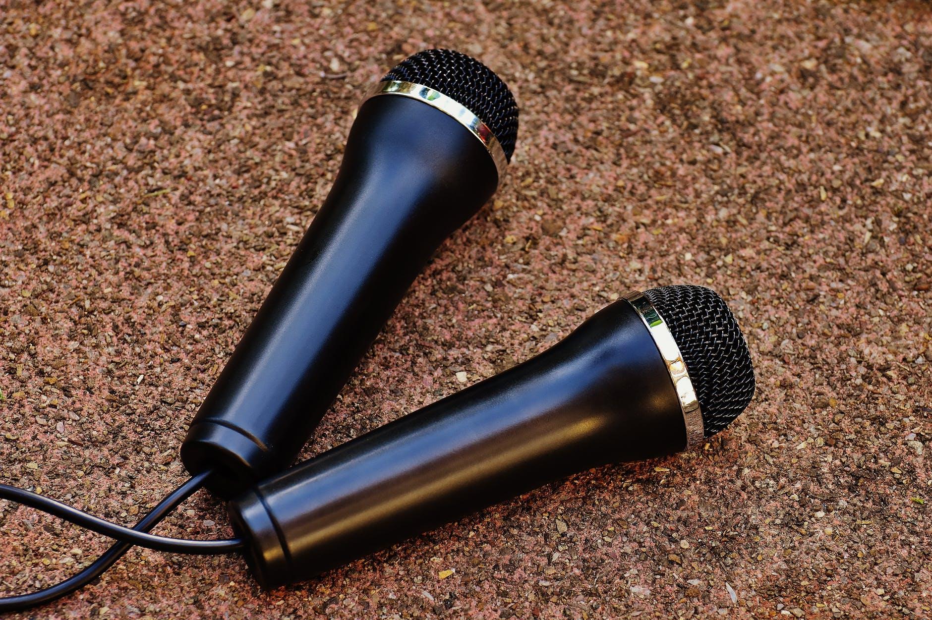 audio equipment indoors instrument